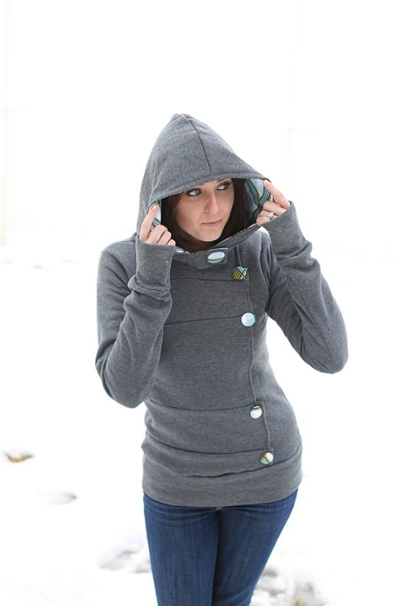 DIY Sweatshirt–love the look of this.