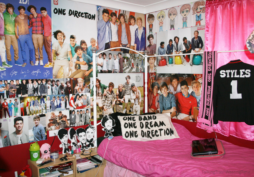 Talking Trash & Wasting Time: One Direction Teen bedroom    DIY word 1D pill