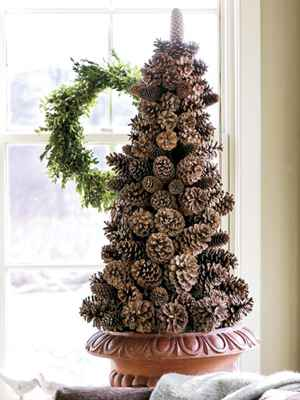 A great fall or holiday centerpiece: How to make a pinecone tree.  #countrylivin