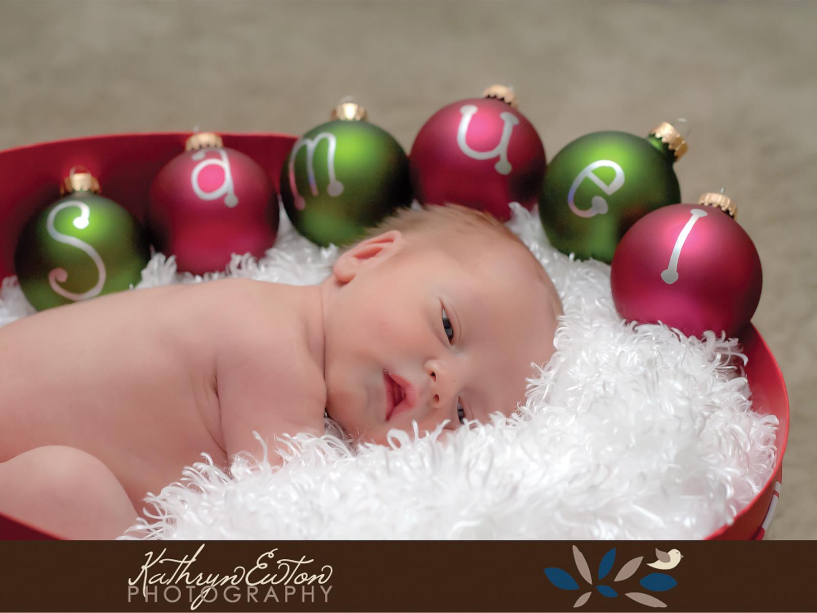 Merry Christmas! | Newborn Portraits