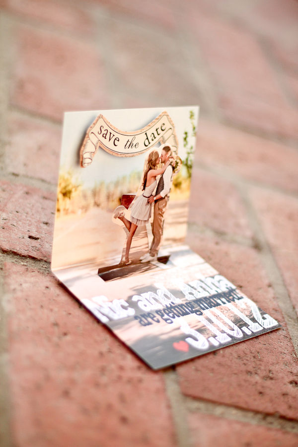 Pop up Save The Date card. Cutest ones i have seen yet!!!