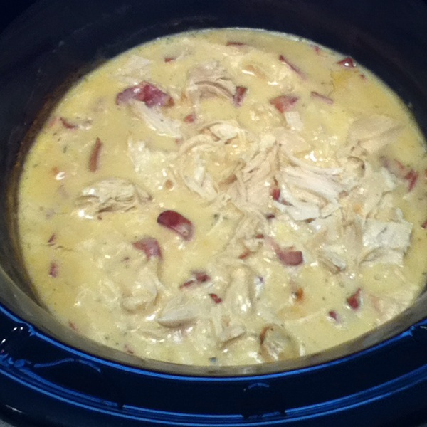 Chicken bacon ranch crockpot meal ~~ In crockpot, mix together 1 c. sour cream,