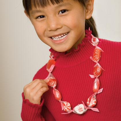 Valentines Day Craft: Sweet Necklace
