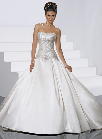 Chic sleeveless ball gown floor-length bridal gowns,halter wedding dress,halter