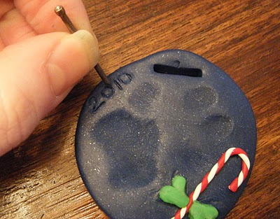 Paw print ornament DIY