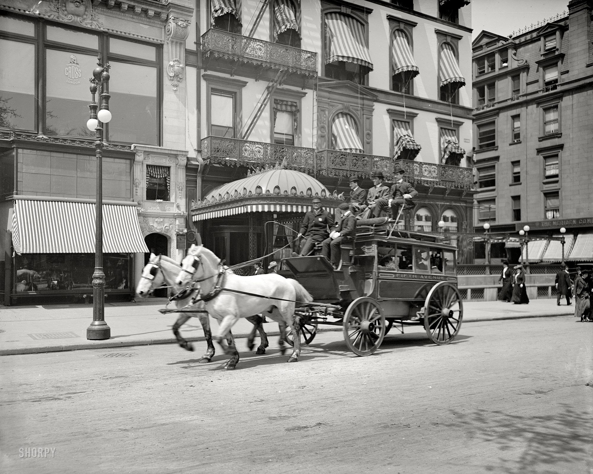 Fifth Avenue. 1900.