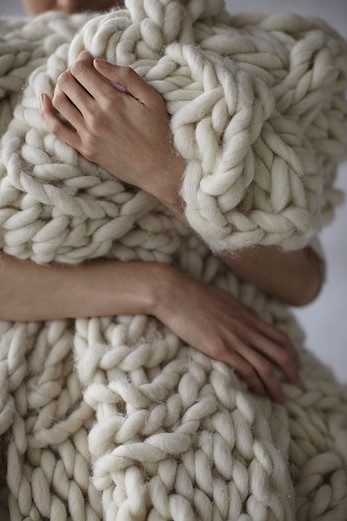 Quick-to-knit chunky blanket – love it!!!