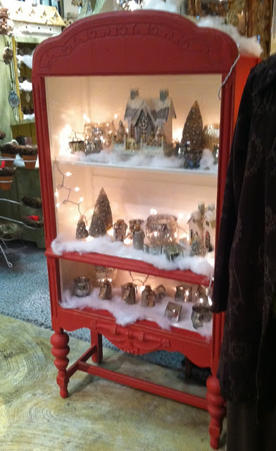 Love this idea for a Christmas village !
