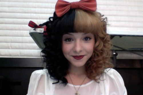 Crazy awesome hairdo sported by Melanie Martinez who was just on the Voice. I am