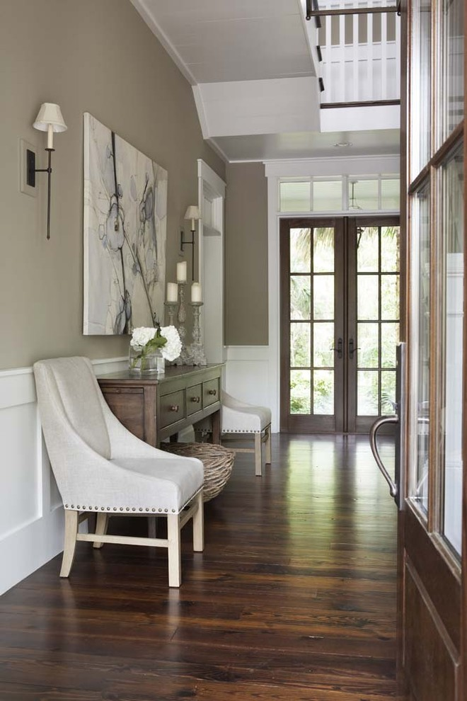 Feng Shui tip: Wood planks on the horizontal slows fast moving chi down.