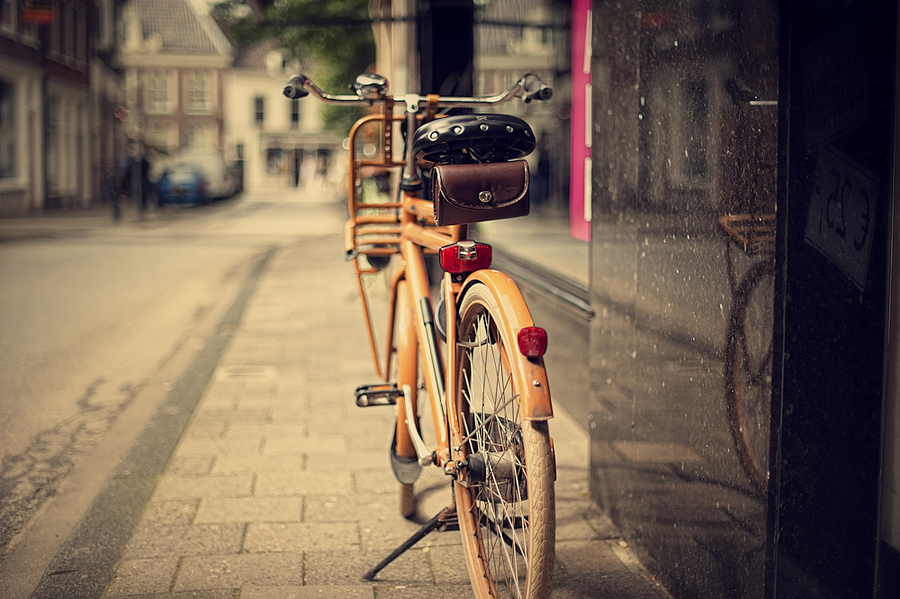 On The Sidewalk by Allard Schager, via 500px