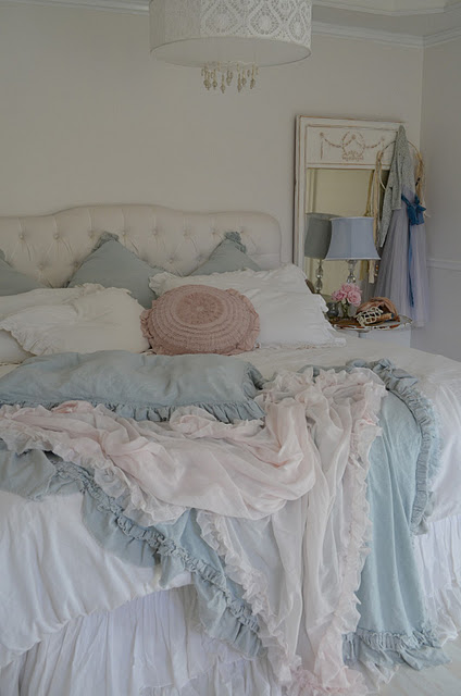 soft restful monochromatic serene lovely french tousled casual yummy shabby chic