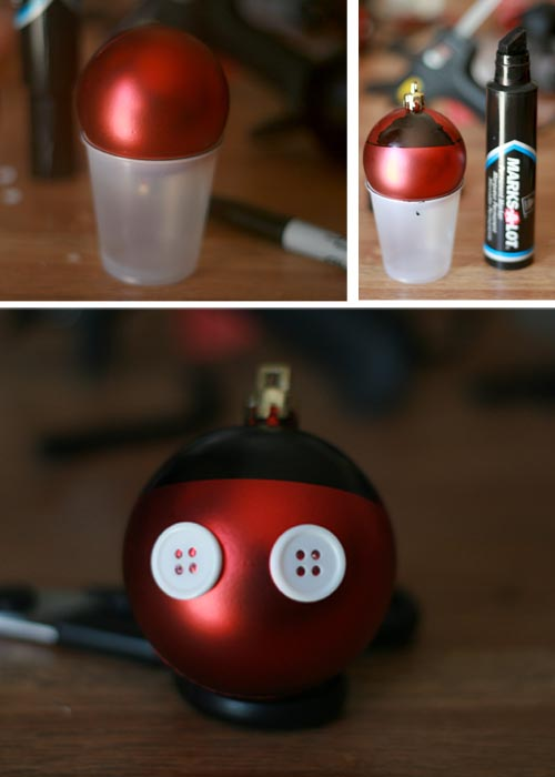 SUPER EASY way to make some Mickey Ornaments. This Blog is almost all about Disn