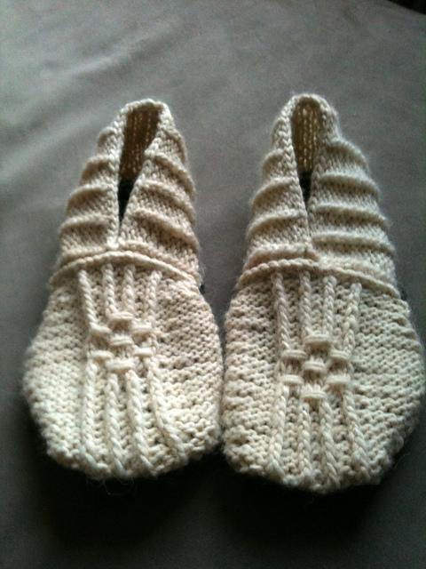 DIY Knitting Pattern – Japanese House Slippers