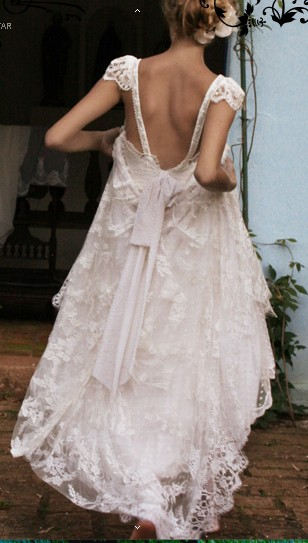 I love this lace – Emanuelle Junqueira designer