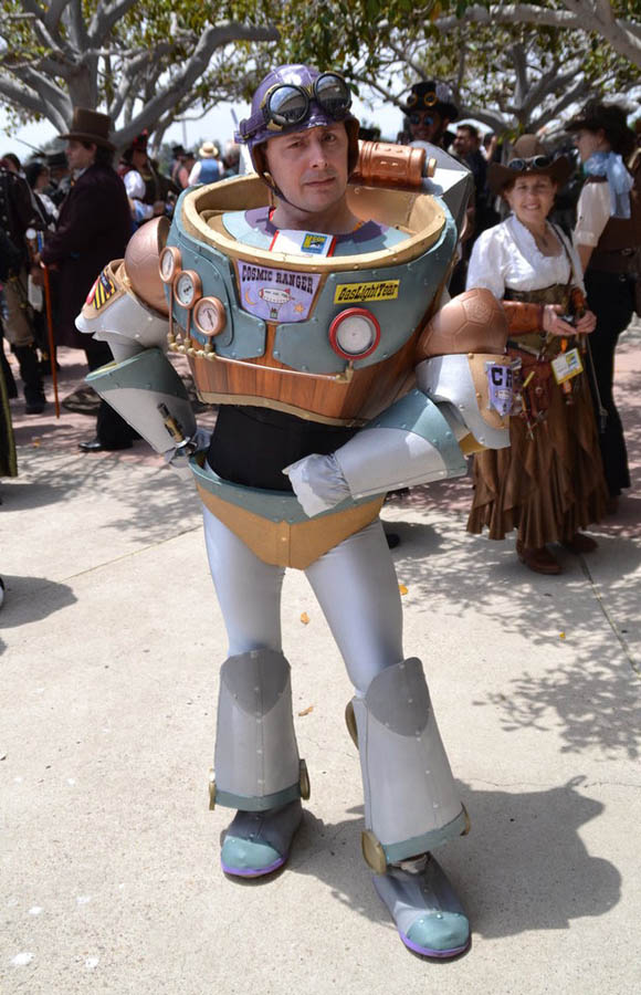 Steampunk Buzz Lightyear. I repeat, a STEAMPUNK. BUZZ. LIGHTYEAR. Nothing will e