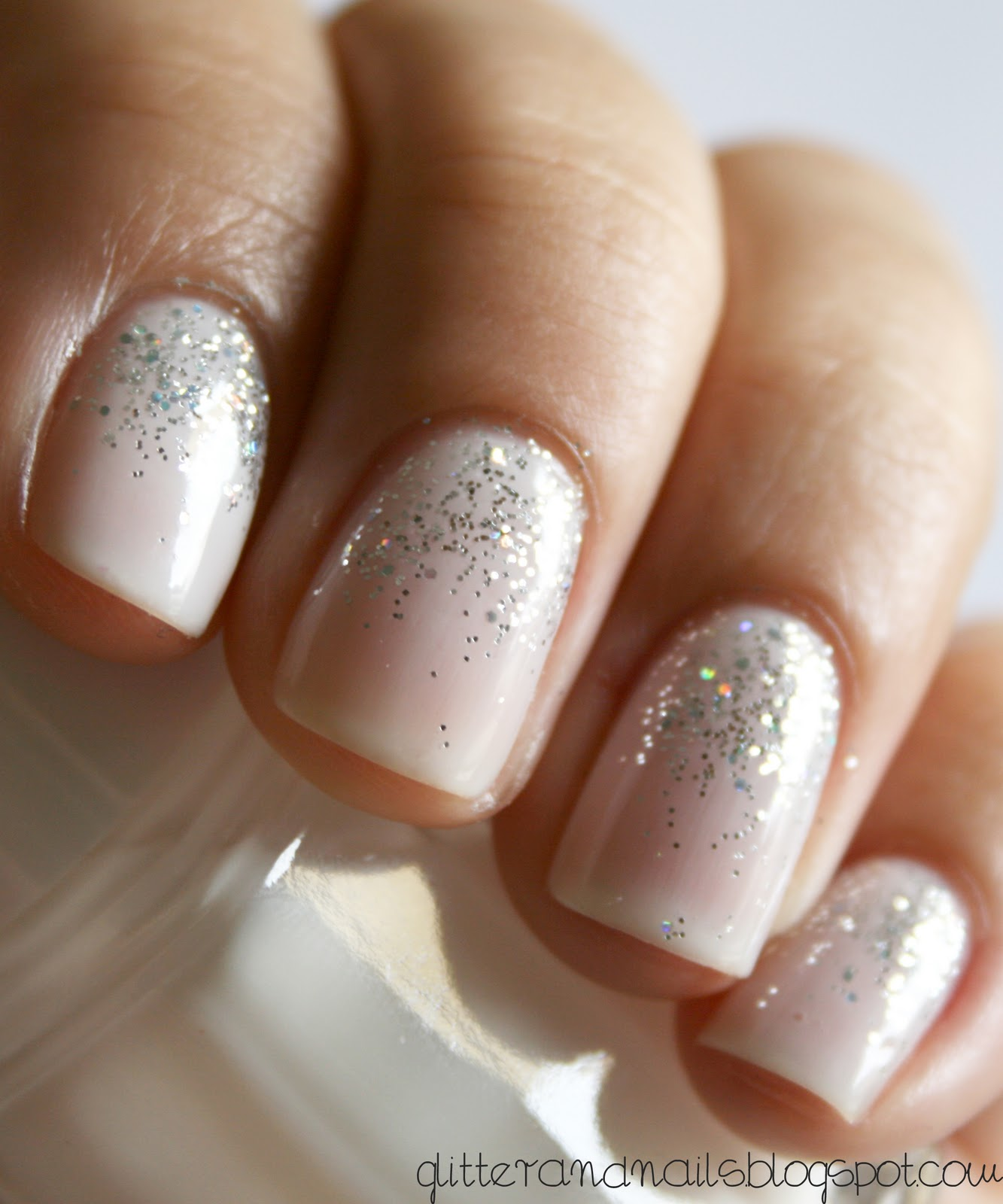 subtle sparkly nails – pretty for holiday season