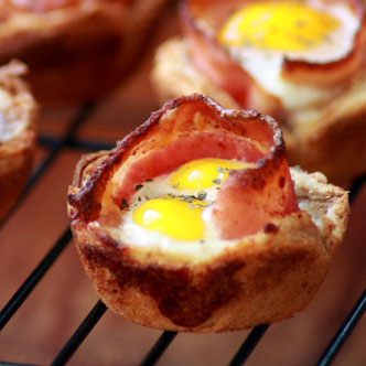 A Two Bite Breakfast: #Bacon and Eggs in Toast cups. Yummy yummy!