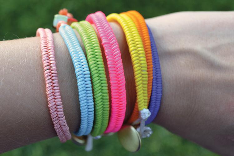 DIY-Fishtail-Bracelet-Stack