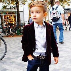 Okay, admit it. This little dude dresses better than you.