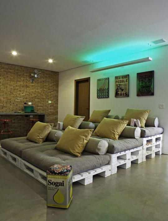 Pallets turned into home theater seating.