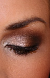 7 STEPS FOR PERFECT SMOKEY EYE makeup! I have tried this and she gives Great tip