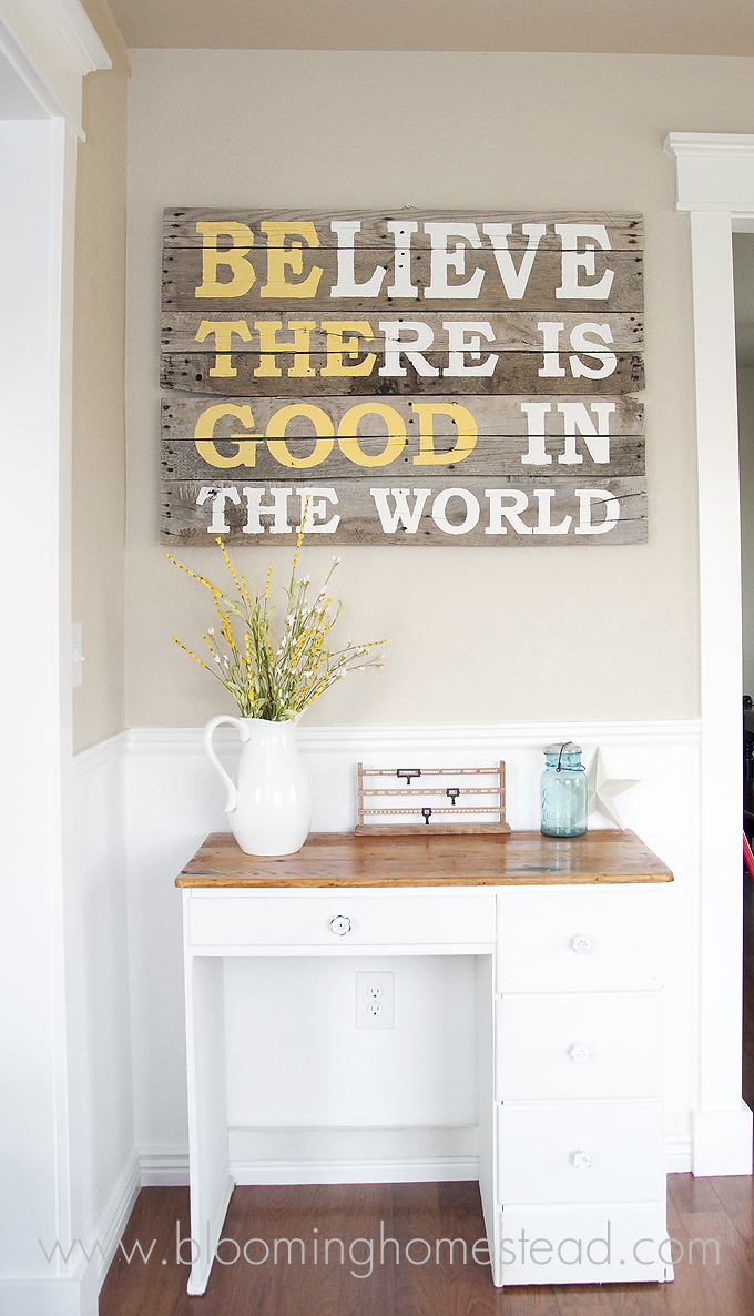 Pallet Wood Sign… I really love this!