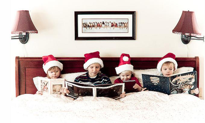 A Fun Idea For Shooting Kids Christmas Photo Shoot Reading Holiday Books