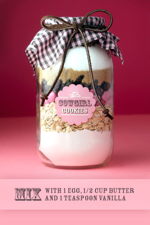 Our friend Francie gave us a jar like this for Christmas & the cookies were deli