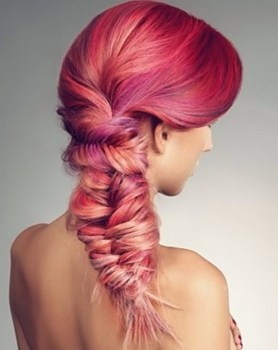 Gorgeous color! Look at this fishbone braid that is going sideways at the top! C