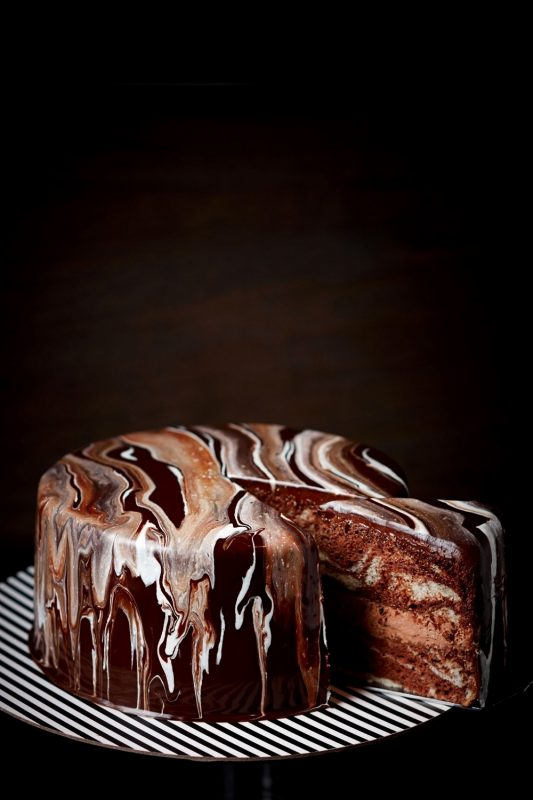 15 43. MARBLE ART CAKE