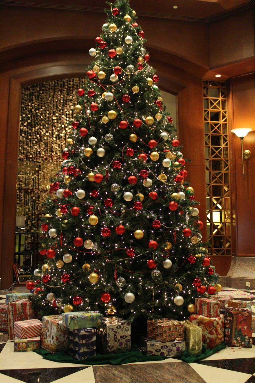 Christmas Tree Decorations Ideas and Tips To Decorate It ... -   Christmas Decorating Ideas
