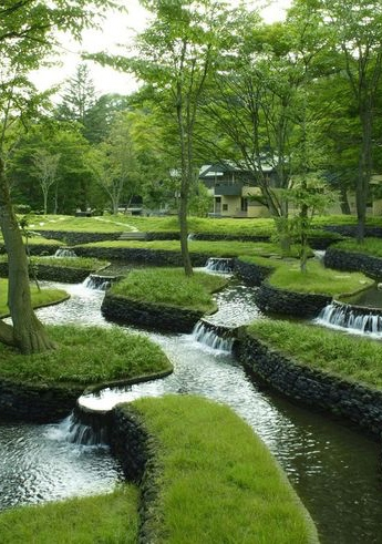Natural Water Feature ~ green & white