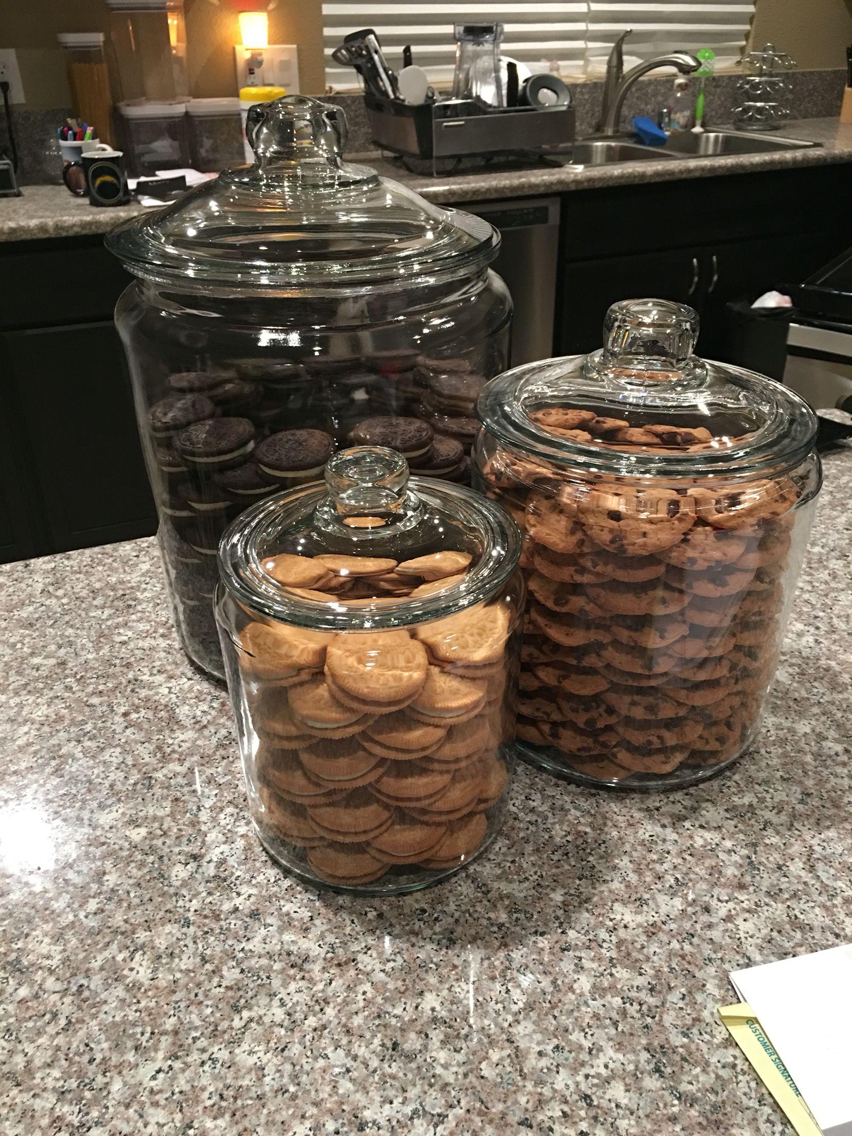 Khloe Kardashian's copy cat cookie jars