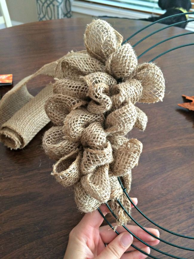 How To Make A Fall Burlap Bubble Wreath - Sobremesa Stories
