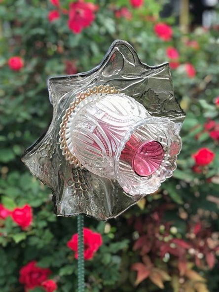 Glass Flower, Garden Art, Glass Garden Flower, Glass Plates, Ceramic Flower, Sun Catcher, Yard Art, Garden Art -   24 flower garden crafts ideas