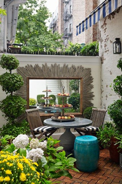 24 small courtyard garden