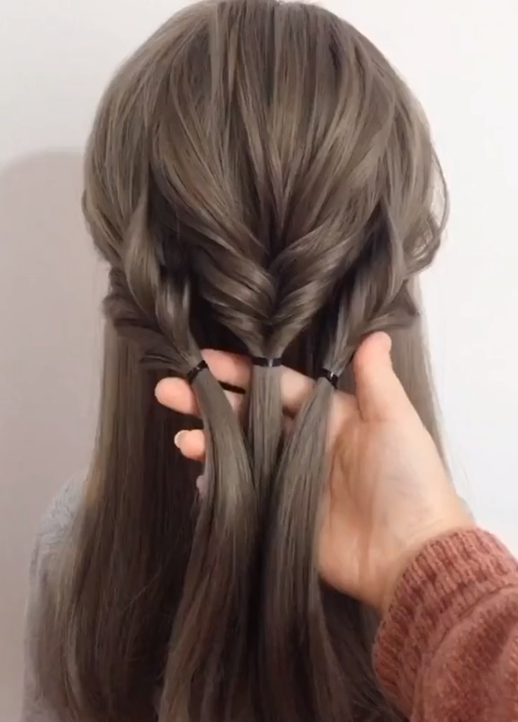 easy & quick hairstyles braids for medium length hair easy back women -   14 hairstyles Corto woman ideas