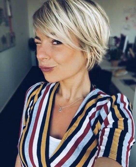 25 Latest Short Bob Cuts for Women | Bob Hairstyles 2018 - Short Hairstyles for Women -   14 hairstyles Corto woman ideas
